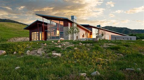 Wyoming Residence: Modern house makes a bold statement in