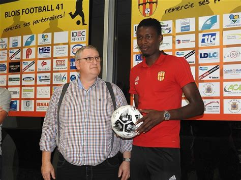 Le ballon du match pour DIAGONAL - BLOIS FOOTBALL 41