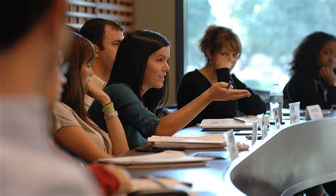 Stanford Offers New Dual International Policy Studies/MBA