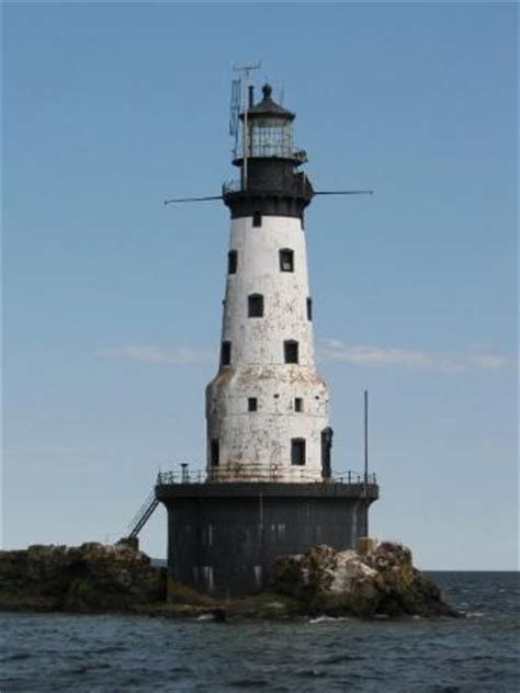 Rock of Ages Lighthouse, Lake Superior - Picture of Isle