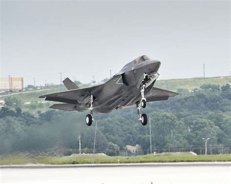 F35 - Back to Plan B - Think Defence