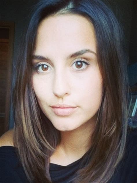 Wow! Lucy Watson shows off new short hair in sexy