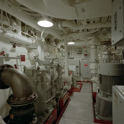 MaritimeQuest - Inside the Oliver Hazard Perry Class Page 3