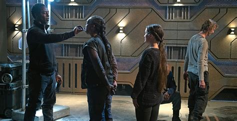 'The 100' 3x06: Is the City of Light the answer or the